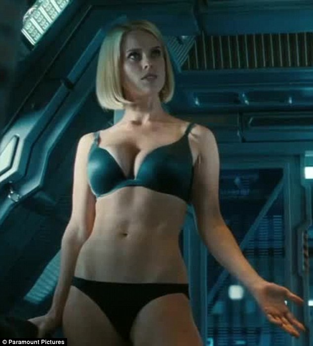 Alice-Eve-spinach-diet-Star-Trek-Into-The-Darkness